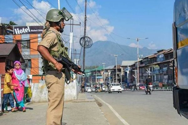 Backed by US, India Warns China against Kashmir Interference